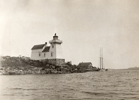 Pointe au Baril, Lighthouse