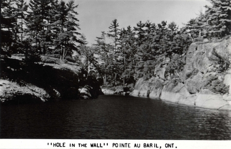 Hole In The Wall - Pointe au Baril
